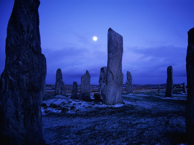 Callanish-Stones--Isle-of-Lewis--Scotland.jpg